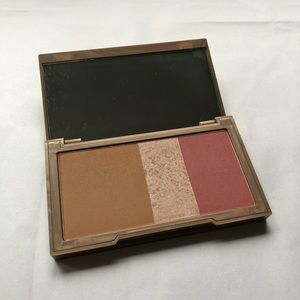 Urban Decay Makeup - Urban Decay Naked Flushed blush, used gently